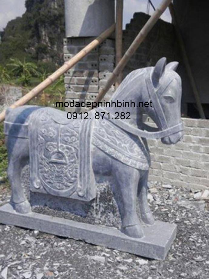 Mẫu ngựa đá đẹp 004