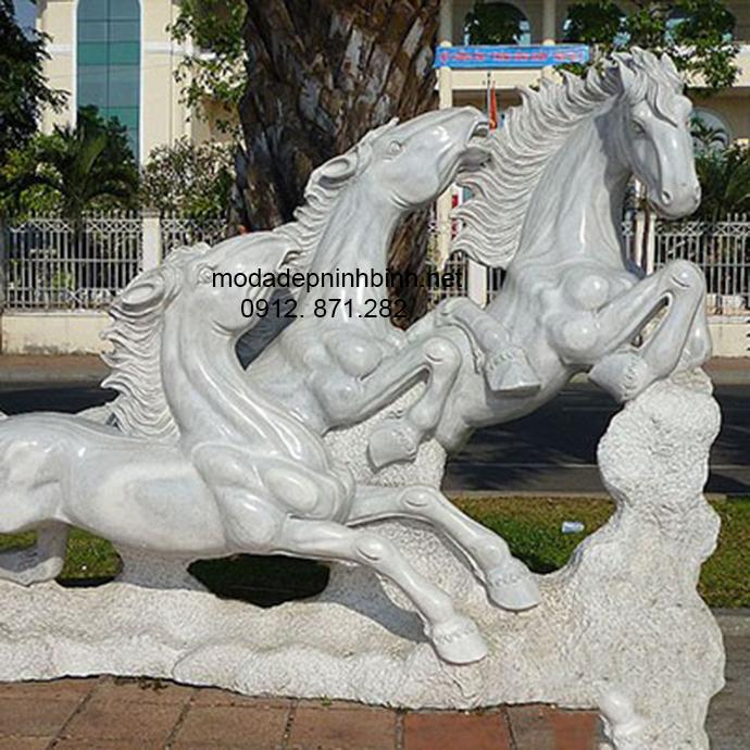 Mẫu ngựa đá đẹp 006