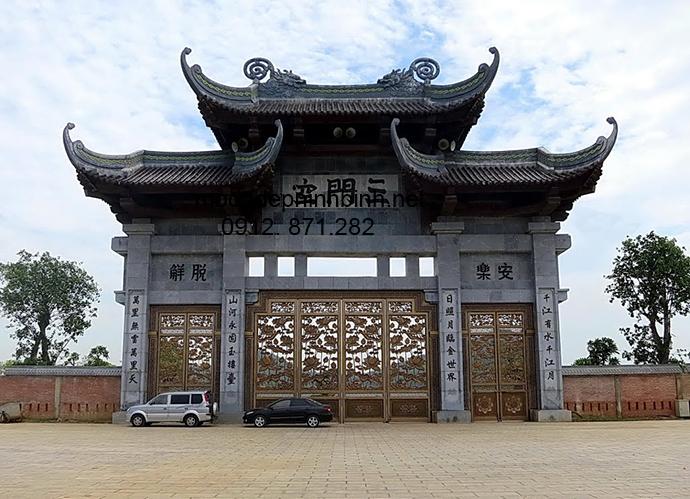 Mẫu cổng tam quan đá đẹp 001