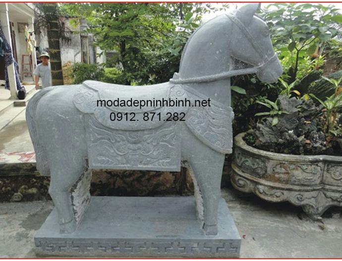 Mẫu ngựa đá đẹp 001