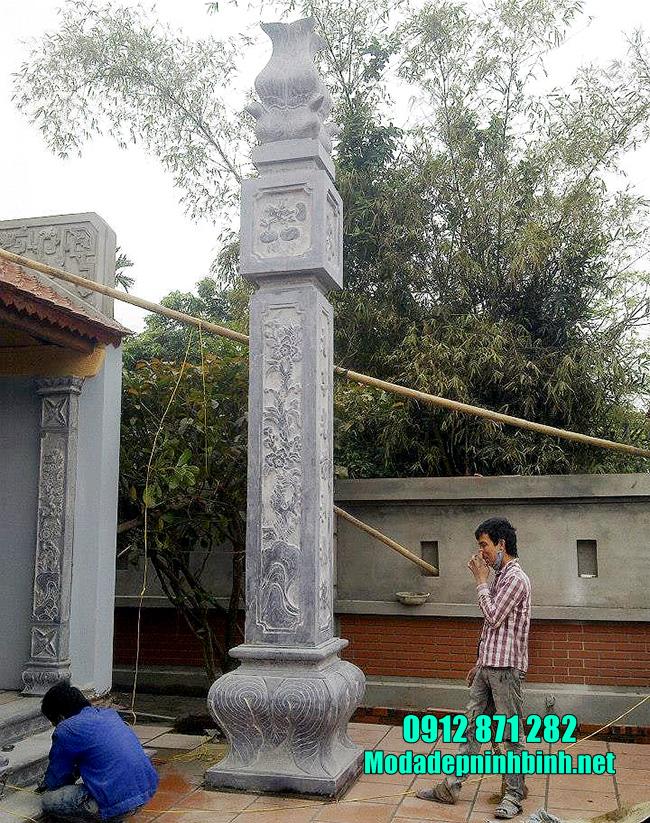 cột đồng trụ nhà họ bằng đá