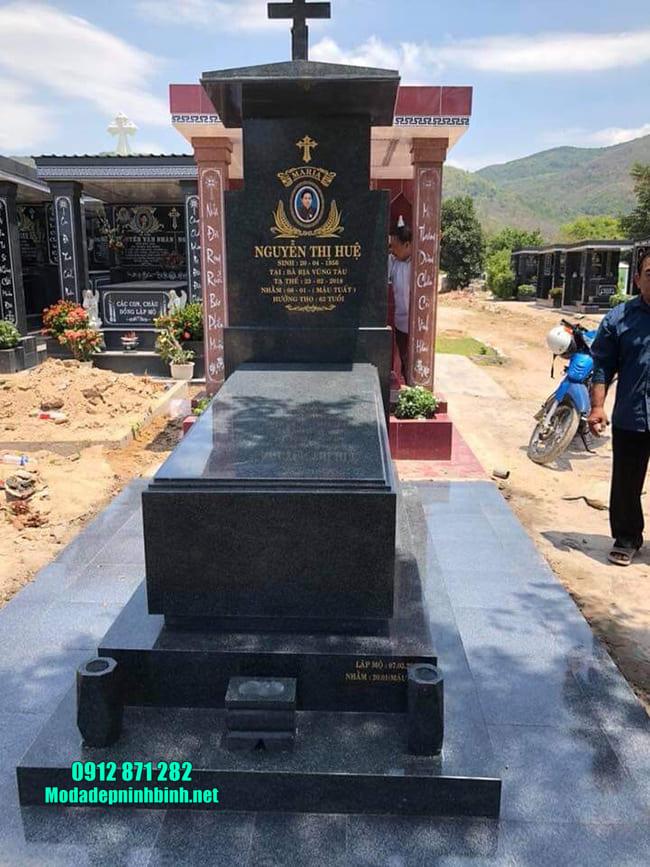 mộ cho người theo đạo bằng đá hoa cương đẹp