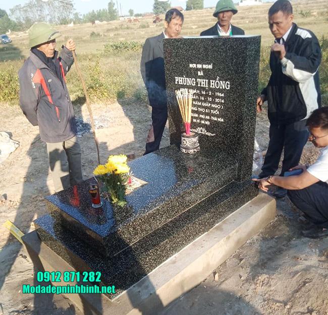 mộ được làm bằng đá hoa cương đẹp nhất