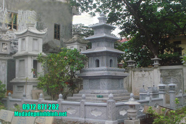 mộ tháp phật giáo bằng đá