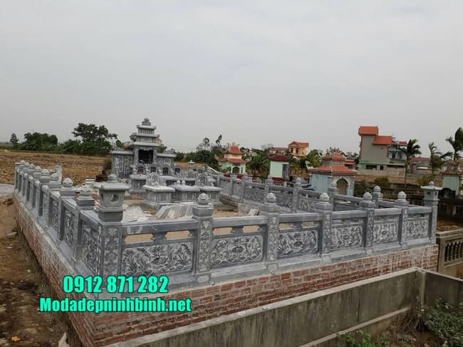 khu lăng mộ đá tại Bình Phước