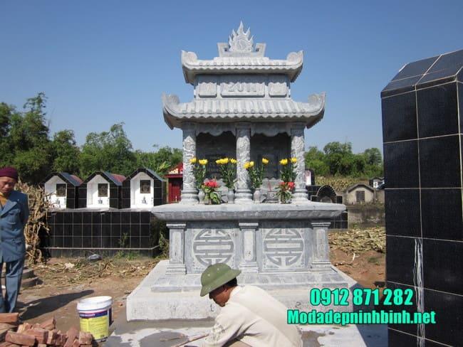 mộ đôi bằng đá tại Bình Thuận