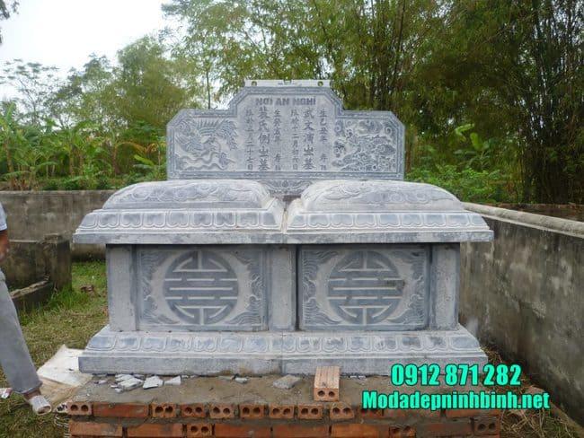 mộ đôi đá mỹ nghệ tại Bình Thuận