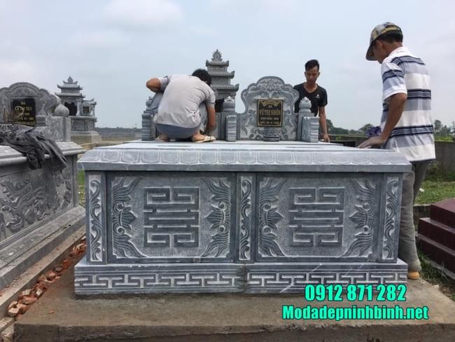 mộ đôi đẹp bằng đá lắp đặt tại Bình Thuận