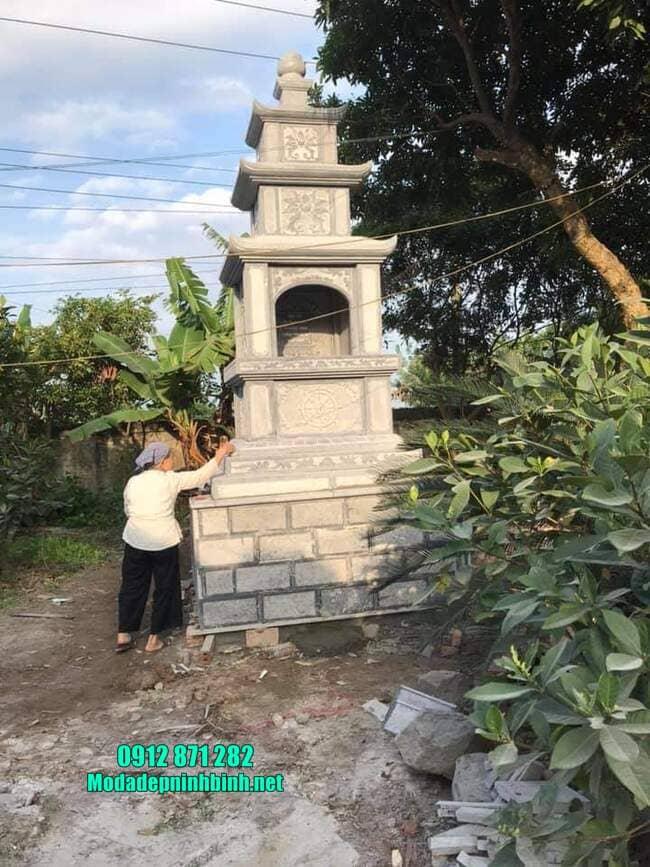Xây mộ tháp đá tại Bình Phước
