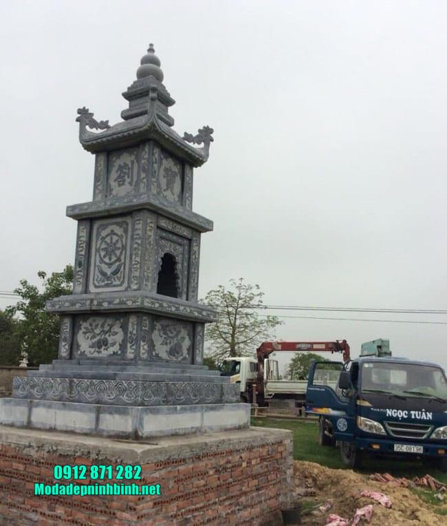 mộ đá hình tháp tại Bình Phước đẹp